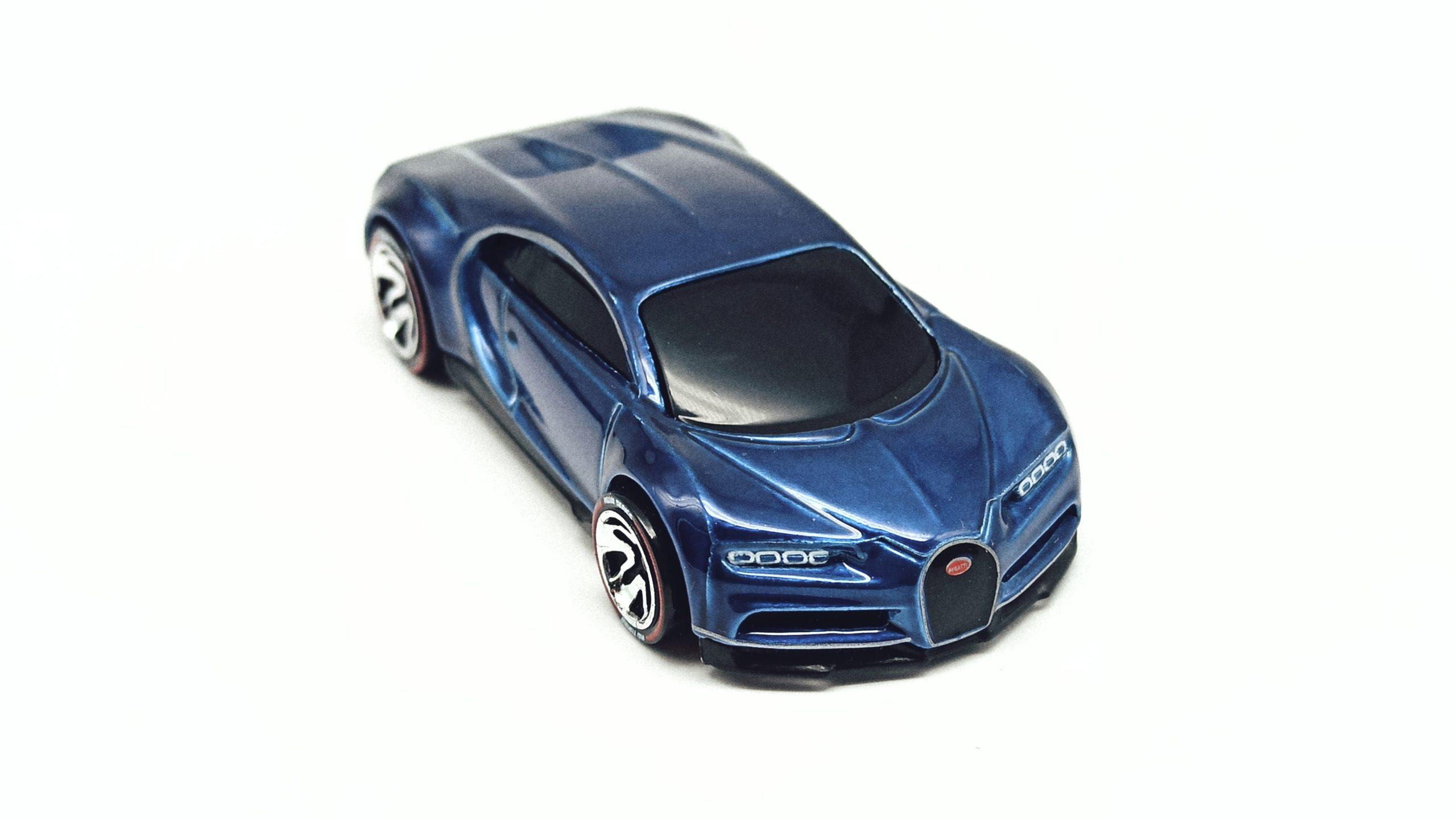 Hot Wheels id '16 Bugatti Chiron (HBG00) 2021 HW Turbo (3/4) spectraflame blue top angle