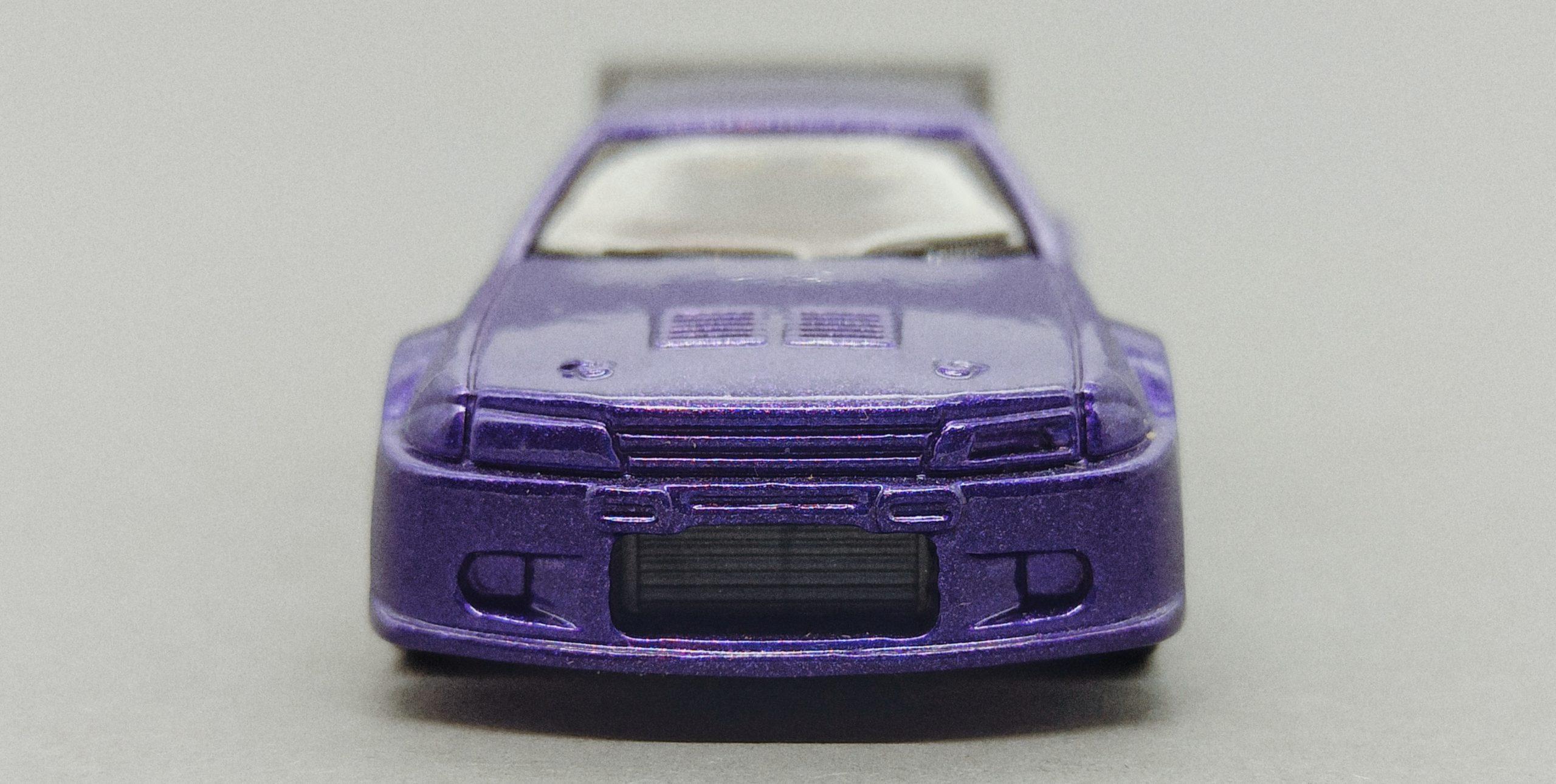 Hot Wheels Nissan Skyline (V0104) 2011 Racing Kits: Street Race (3/12) purple front