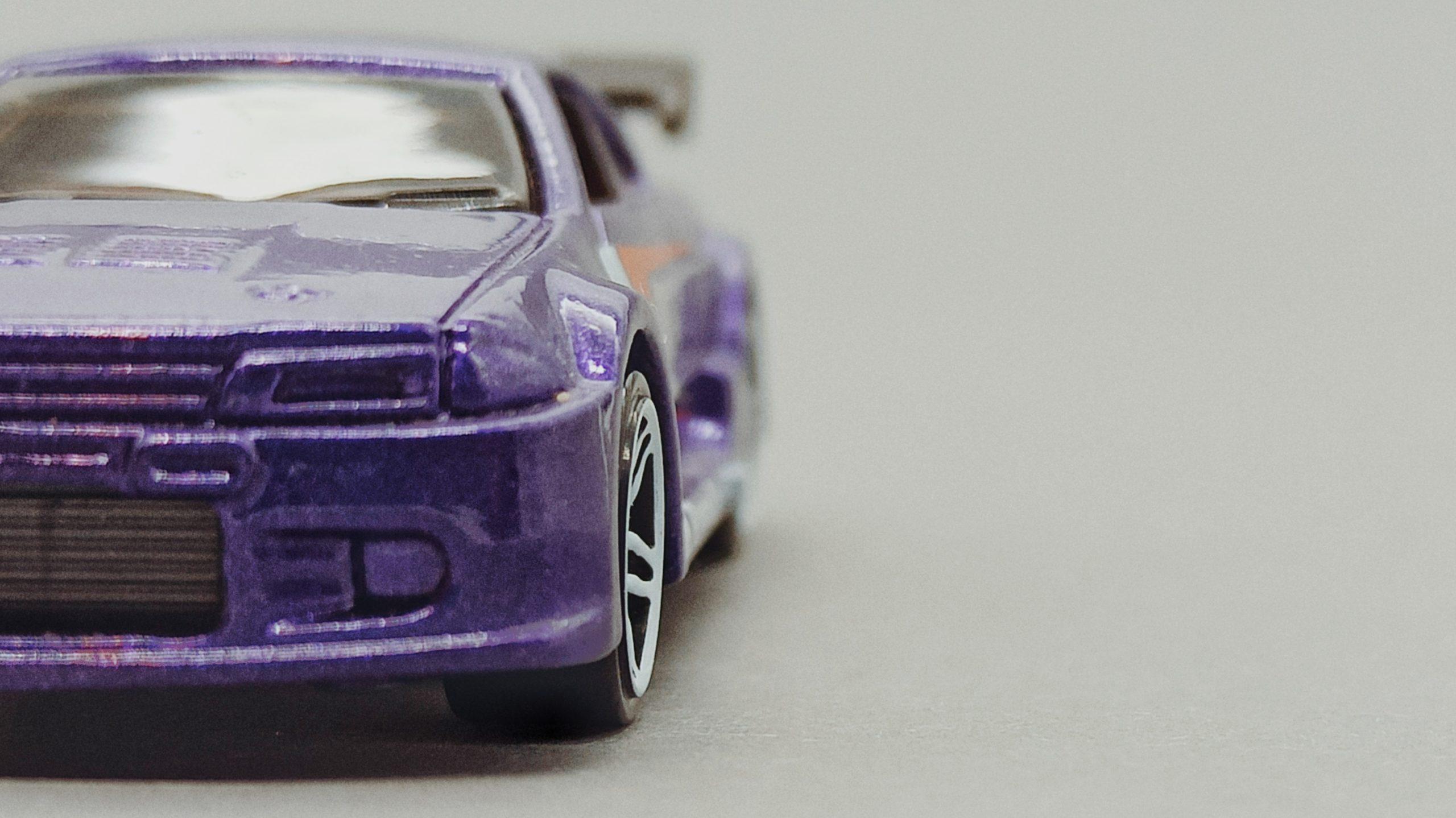 Hot Wheels Nissan Skyline (V0104) 2011 Racing Kits: Street Race (3/12) purple front angle