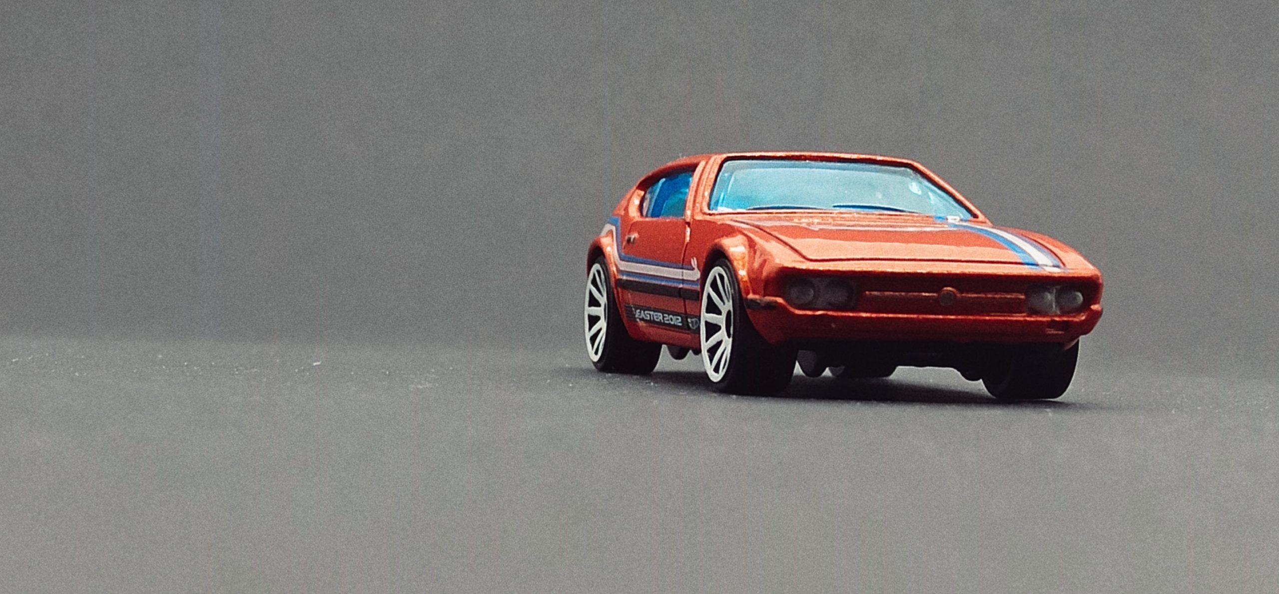 Hot Wheels Volkswagen SP2 (W4020) 2012 Easter Eggsclusives orange front angle