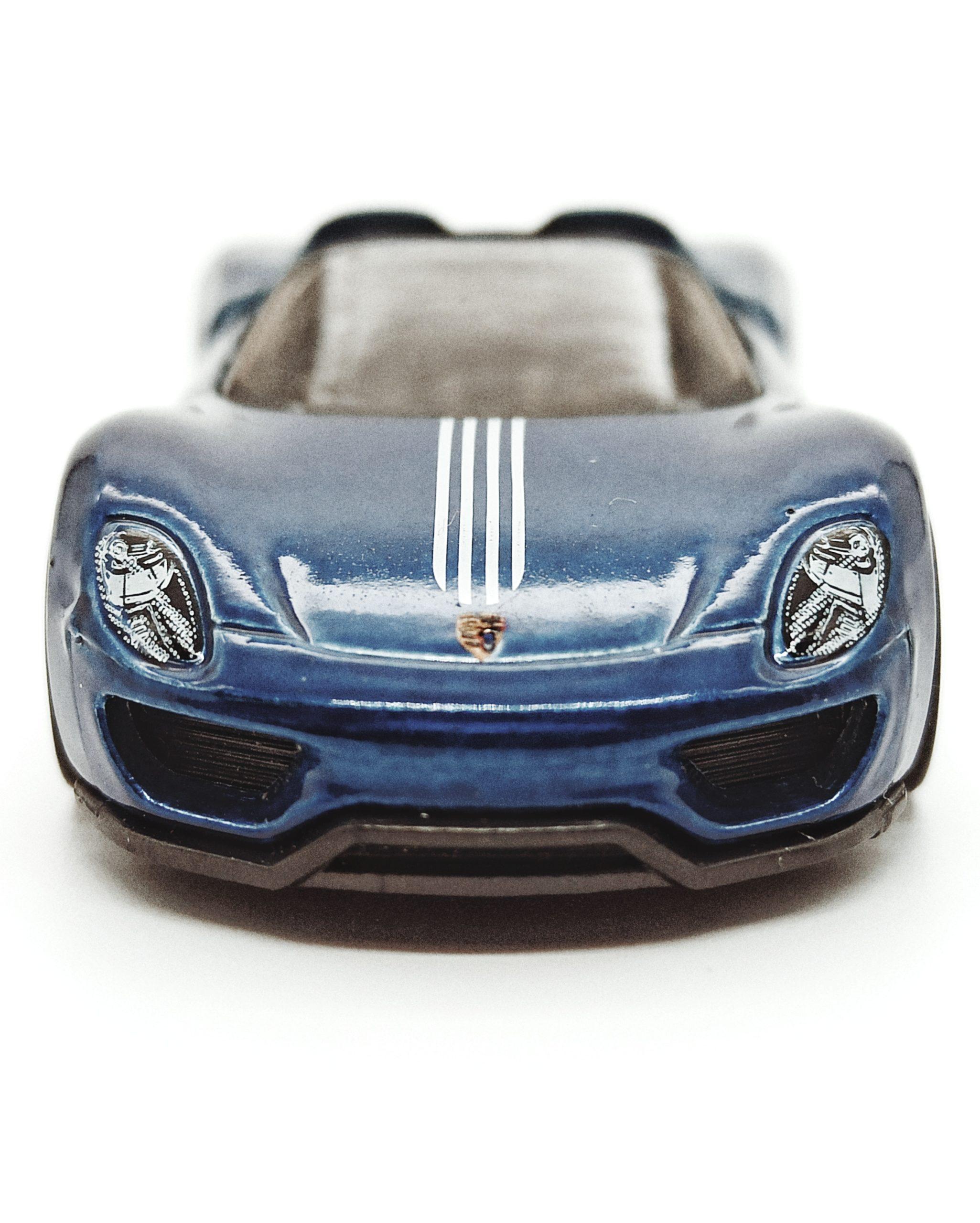 Hot Wheels Porsche 918 Spyder (2018 model) (GHG26) 2020 (94/250) Porsche (5/5) spectraflame blue Super Treasure Hunt (STH) front