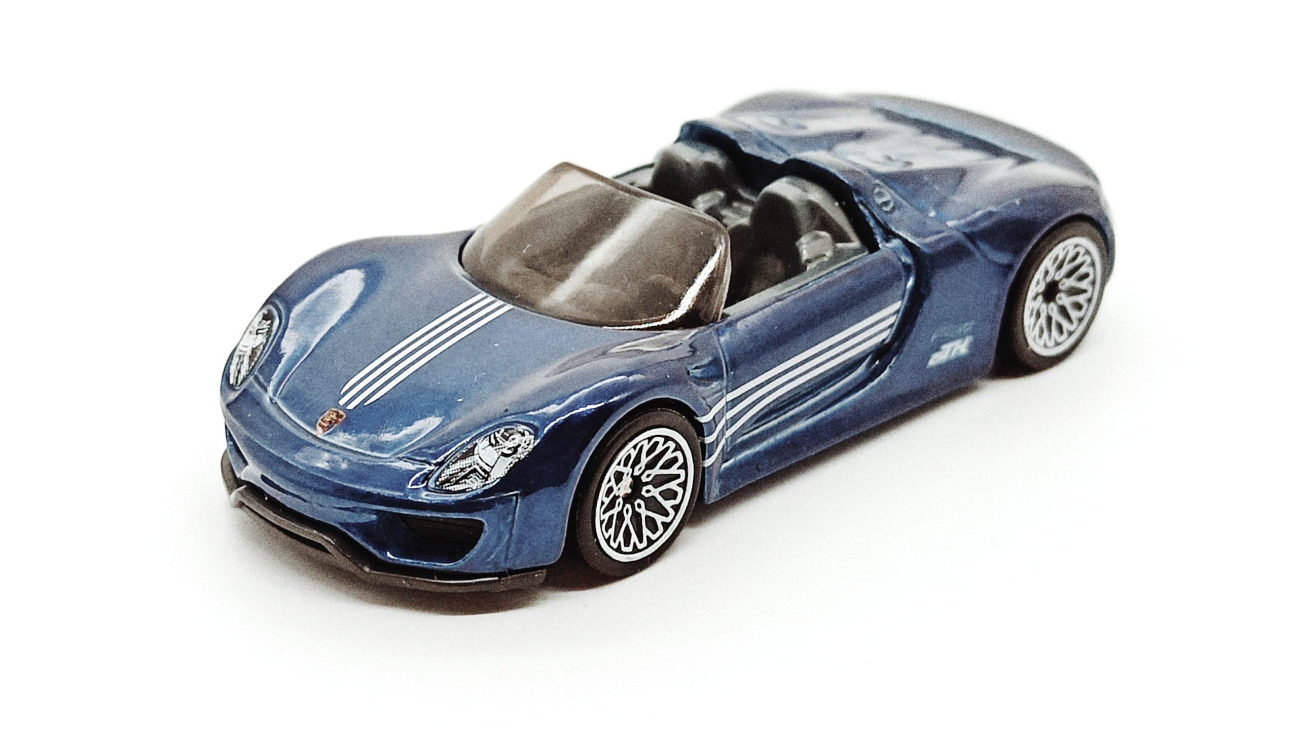 Hot Wheels Porsche 918 Spyder (2018 model) (GHG26) 2020 (94/250) Porsche (5/5) spectraflame blue Super Treasure Hunt (STH) top angle