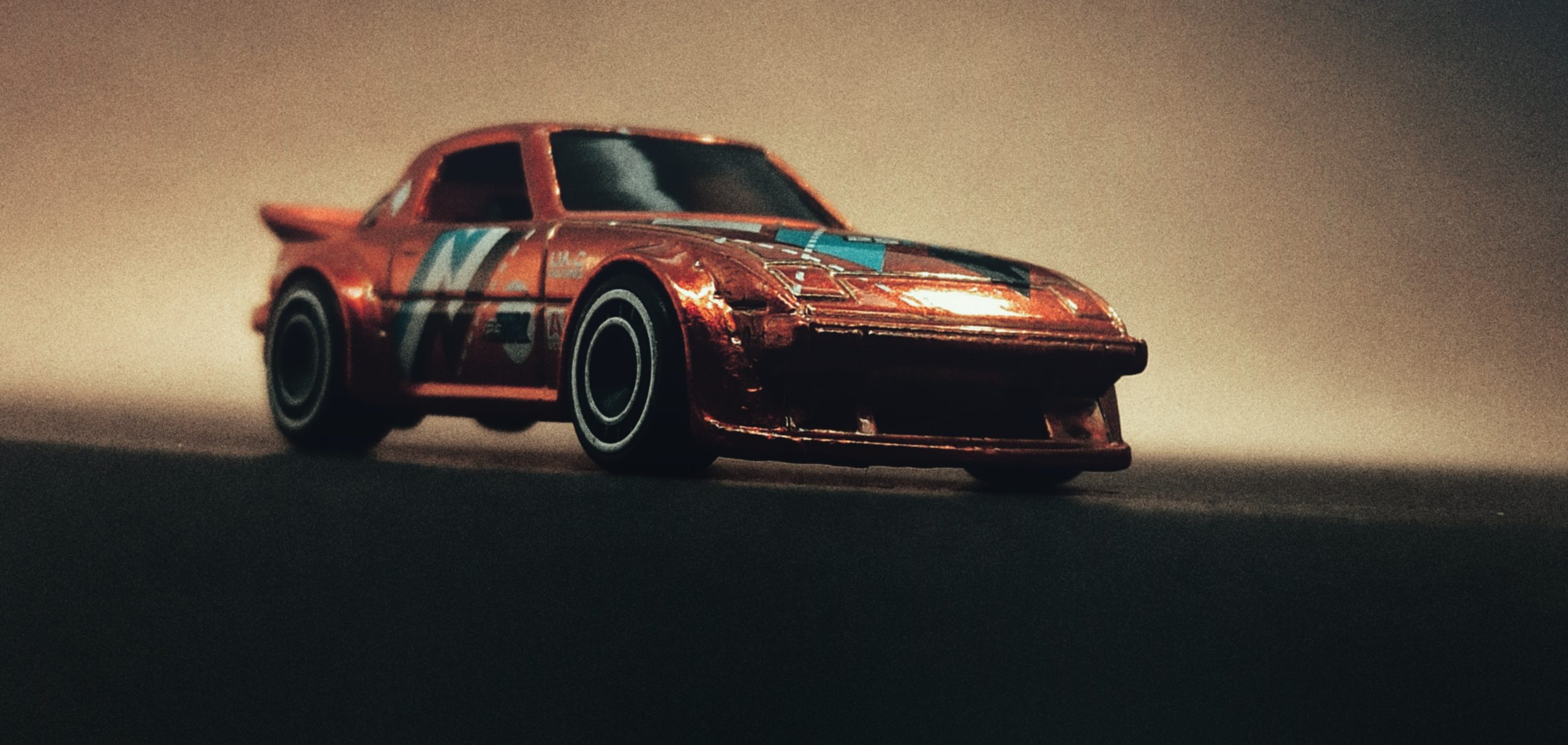 Hot Wheels Mazda RX-7 (GHG28) 2020 (130/250) Speed Blur (5/5) spectraflame orange Super Treasure Hunt (STH) front angle