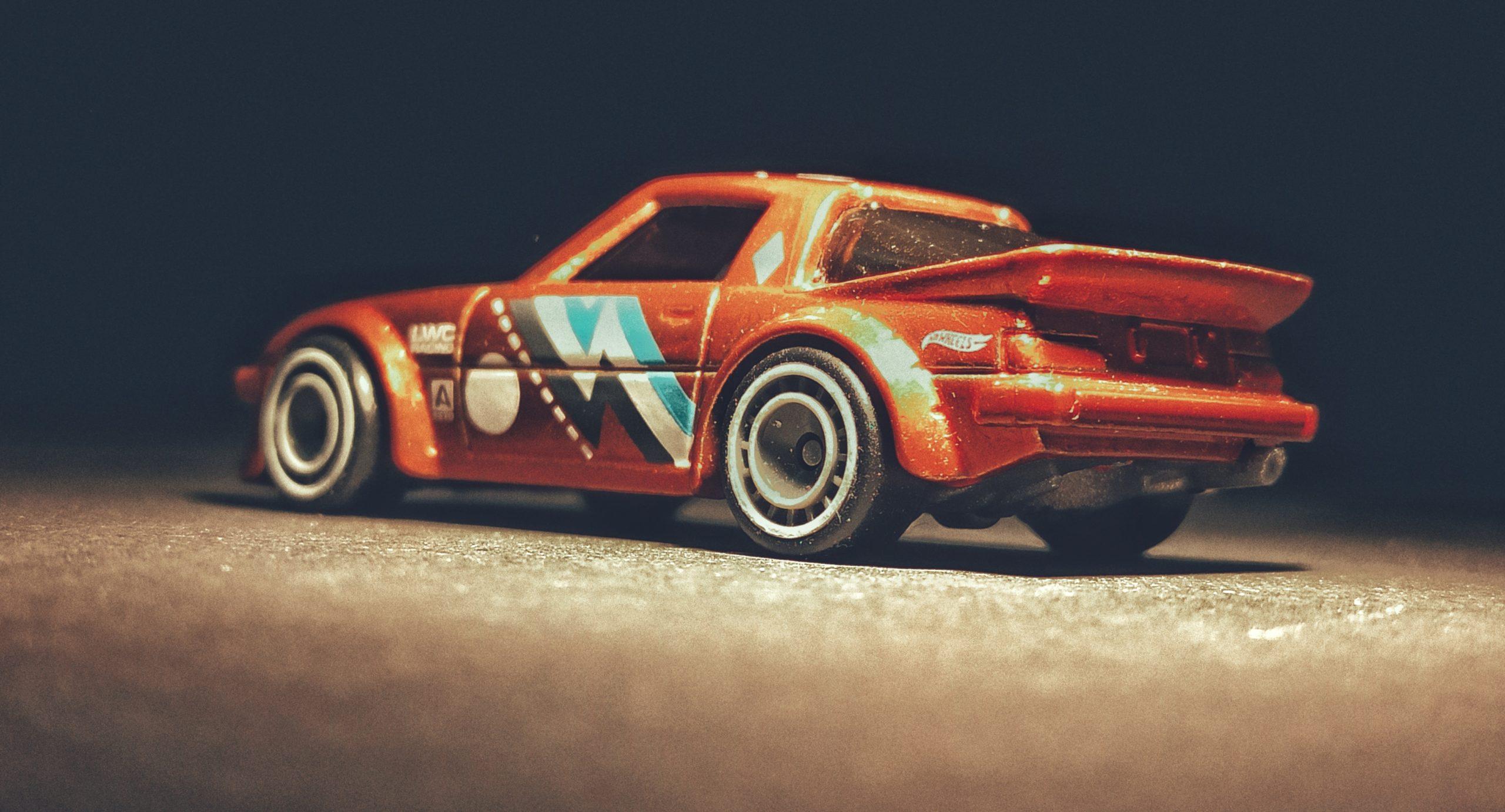 Hot Wheels Mazda RX-7 (GHG28) 2020 (130/250) Speed Blur (5/5) spectraflame orange Super Treasure Hunt (STH) side angle