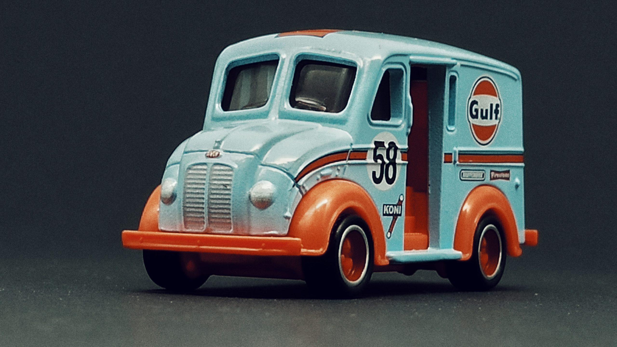Matchbox Collectors Series Divco Milk Truck (GRK29) 2021 (12/20) light blue MBX Gulf side angle