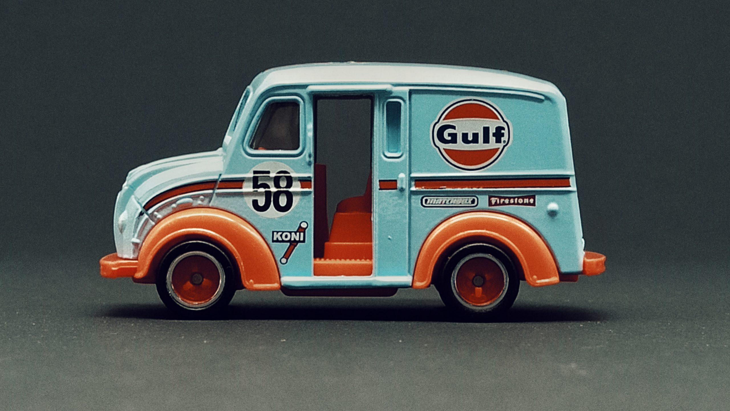 Matchbox Collectors Series Divco Milk Truck (GRK29) 2021 (12/20) light blue MBX Gulf side