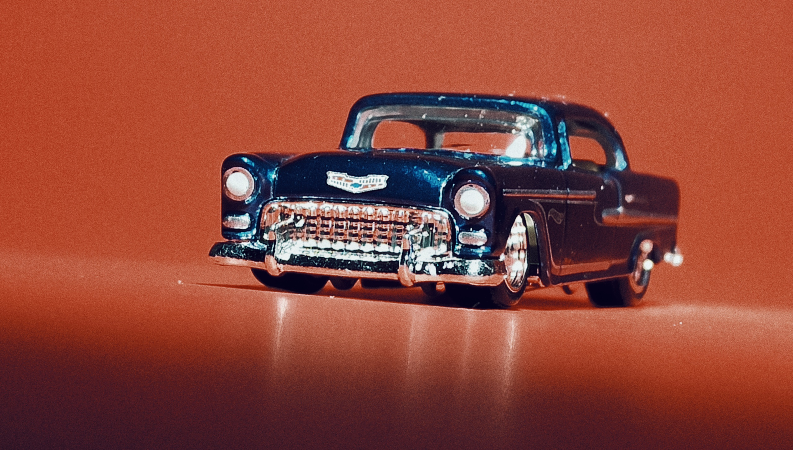 Hot Wheels '55 Chevy () 2020 (20/250) Chevy Bel Air (175) spectraflame blue Super Treasure Hunt (STH) front angle