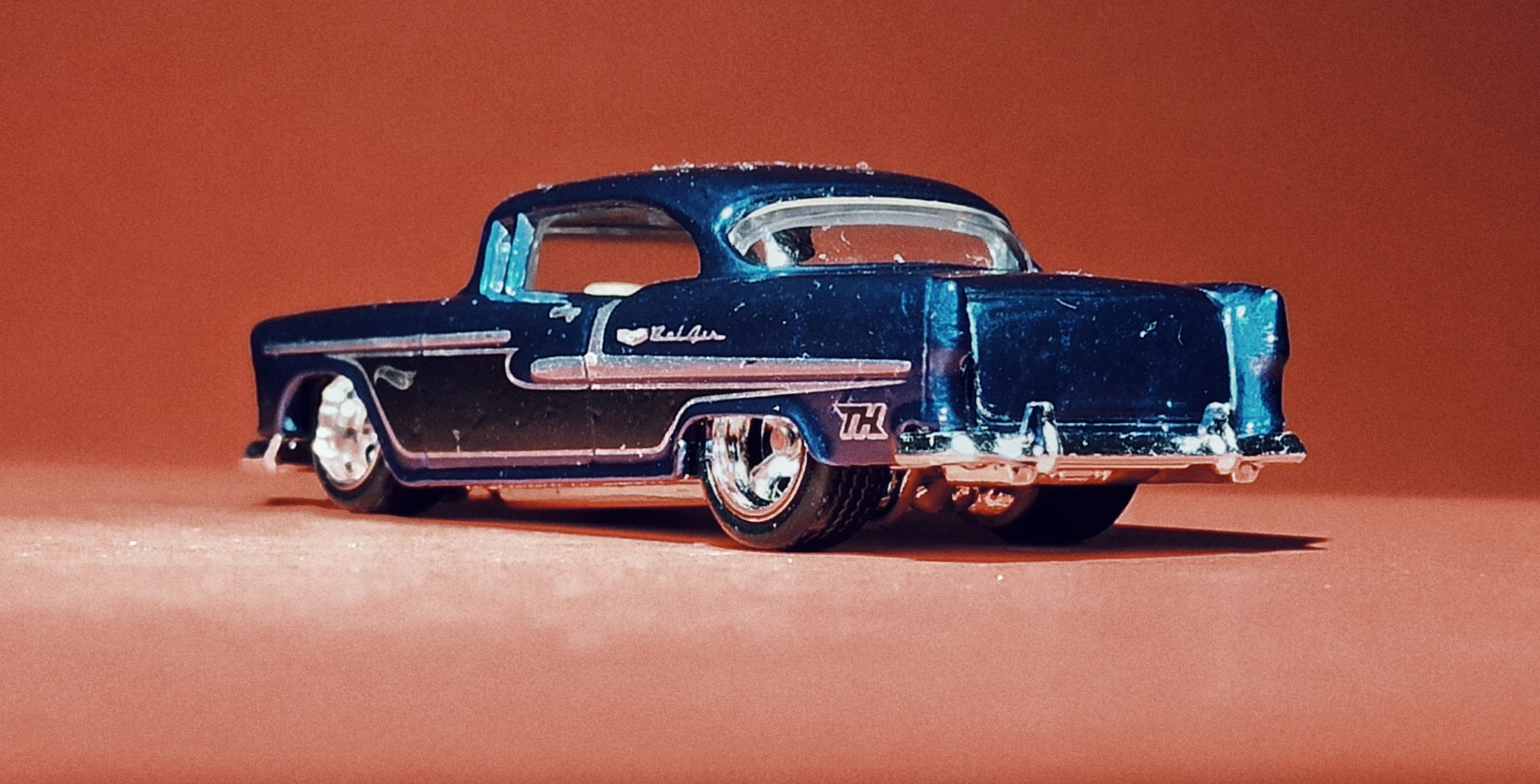 Hot Wheels '55 Chevy () 2020 (20/250) Chevy Bel Air (175) spectraflame blue Super Treasure Hunt (STH) back angle