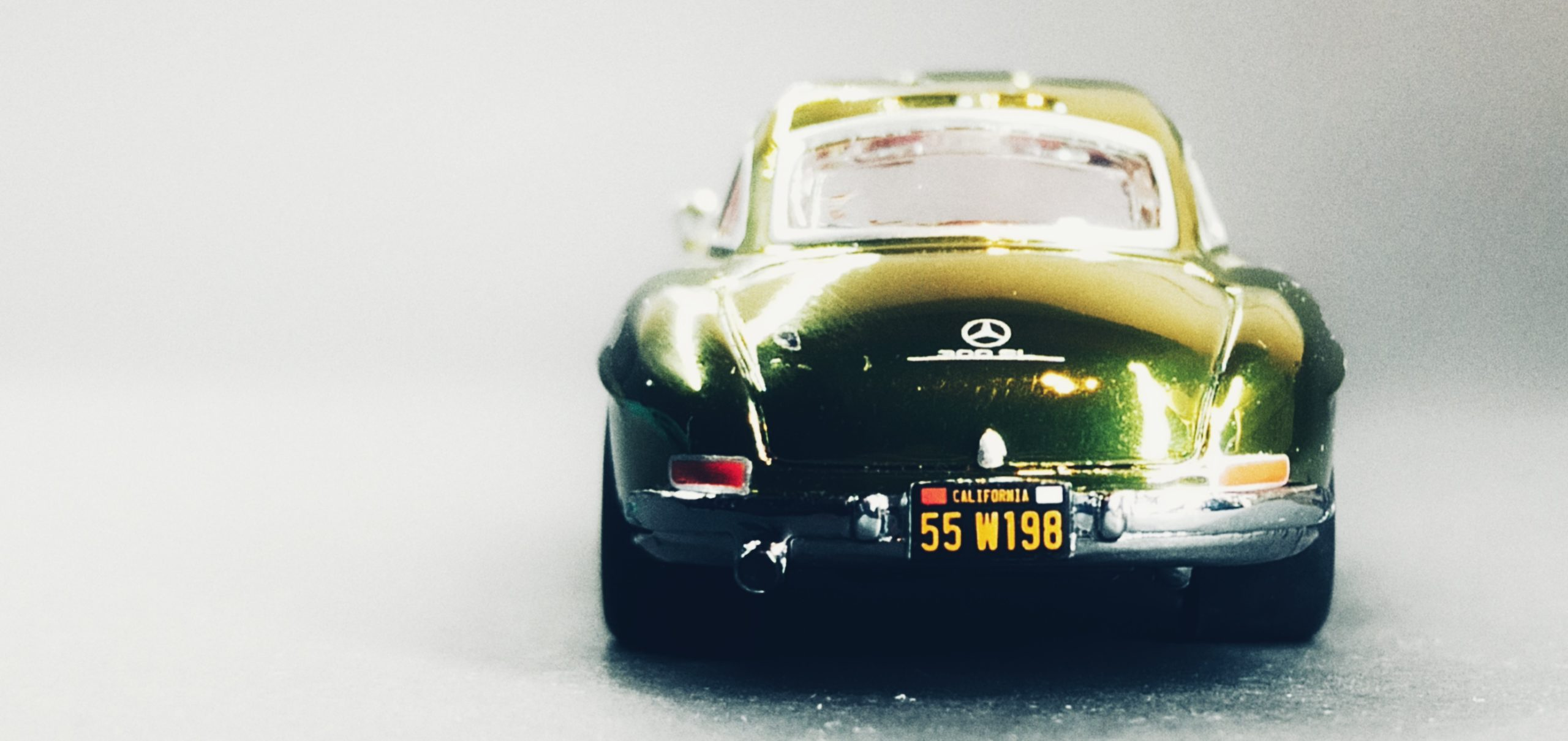 Hot Wheels '55 Mercedes-Benz 300 SL (GDF83) 2019 RLC Exclusive (1 of 12.500) spectraflame green back