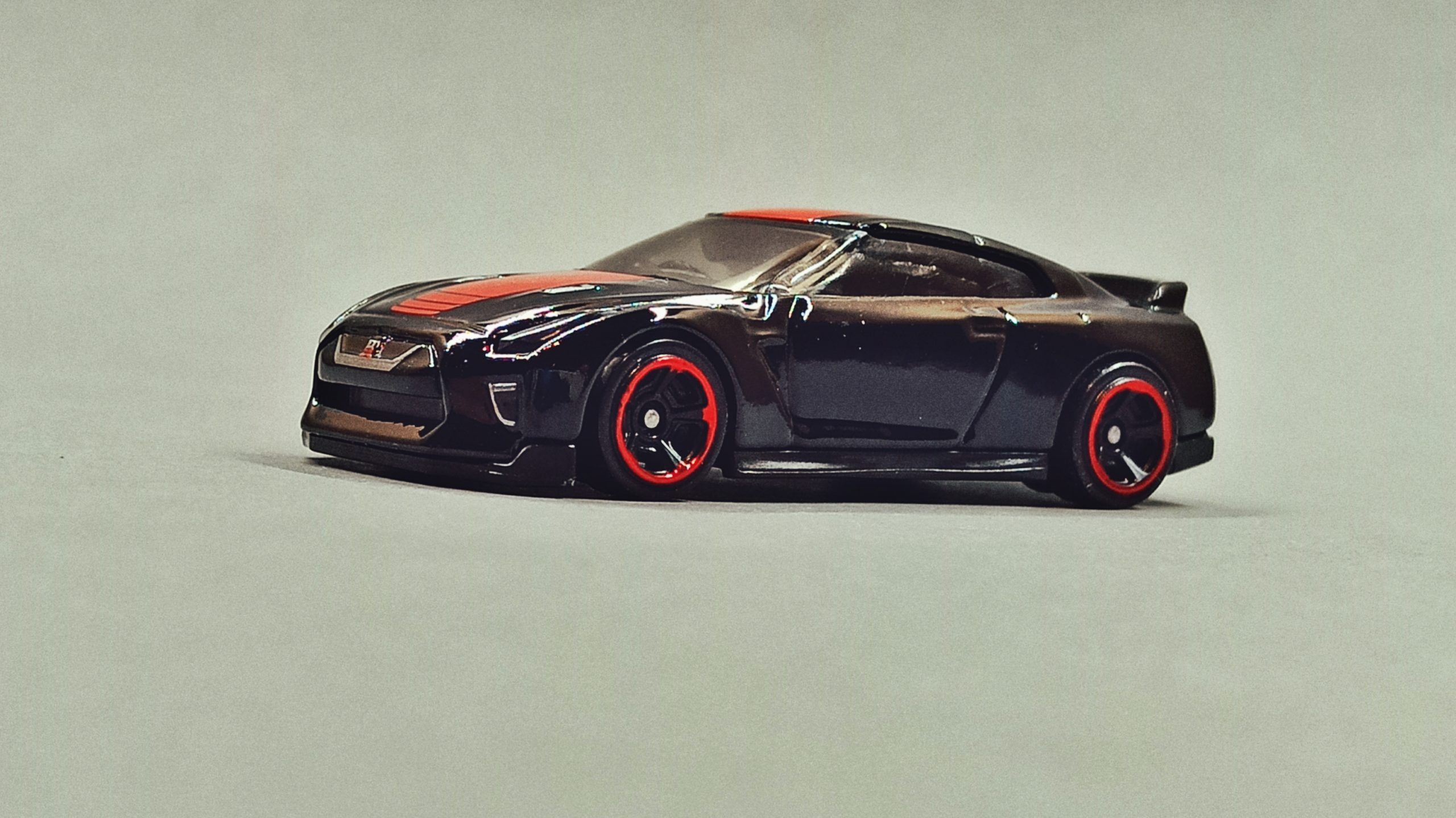 Hot Wheels '17 Nissan GT-R (R35) (GTD41) 2021 (79/250) Then and Now (2/10) black (Kroger Exclusive) side angle