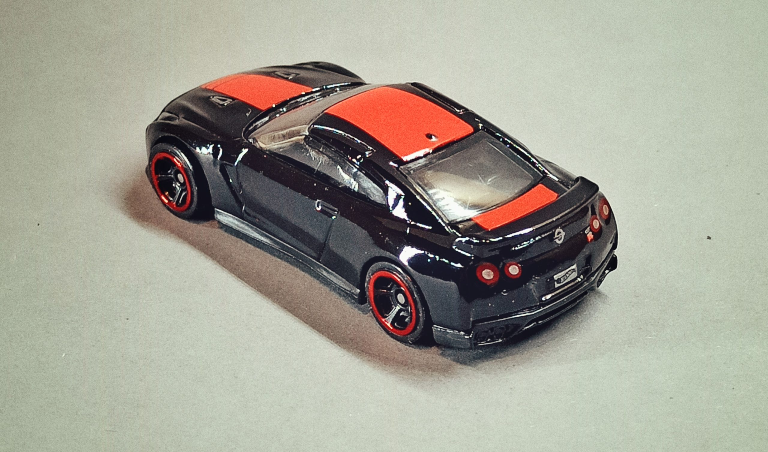 Hot Wheels '17 Nissan GT-R (R35) (GTD41) 2021 (79/250) Then and Now (2/10) black (Kroger Exclusive) top angle