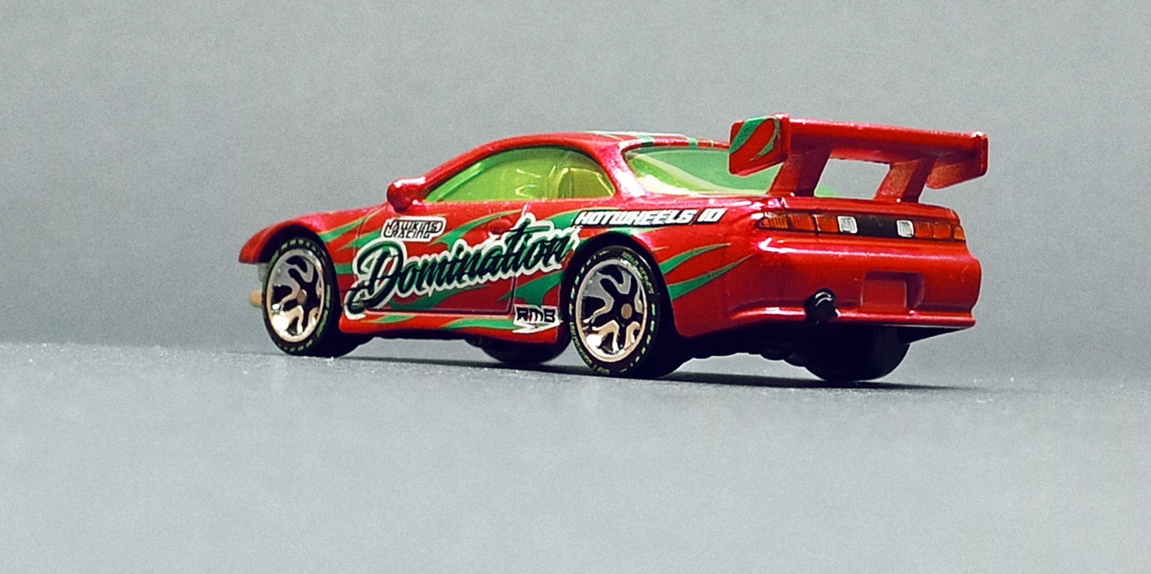 Hot Wheels id Nissan Silvia (S14) Drift (HBG13) 2021 Drift Domination (03/04) spectraflame pink side angle