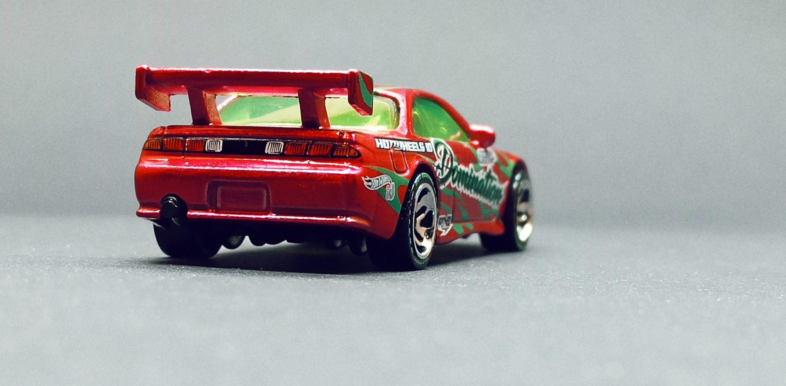 Hot Wheels id Nissan Silvia (S14) Drift (HBG13) 2021 Drift Domination (03/04) spectraflame pink back angle