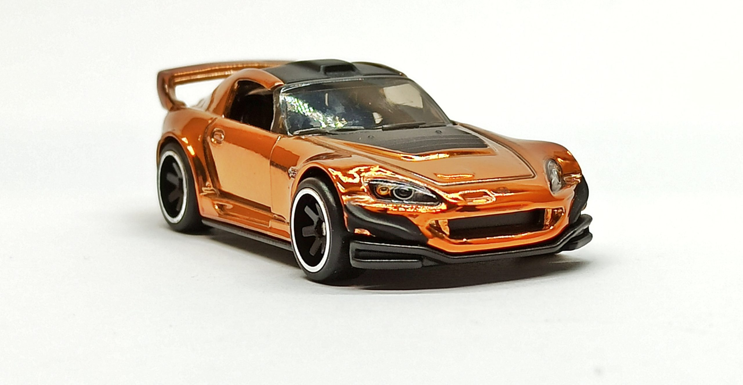 Hot Wheels Honda S2000 2019 RLC Exclusive (1 of 10.000) spectraflame orange front angle