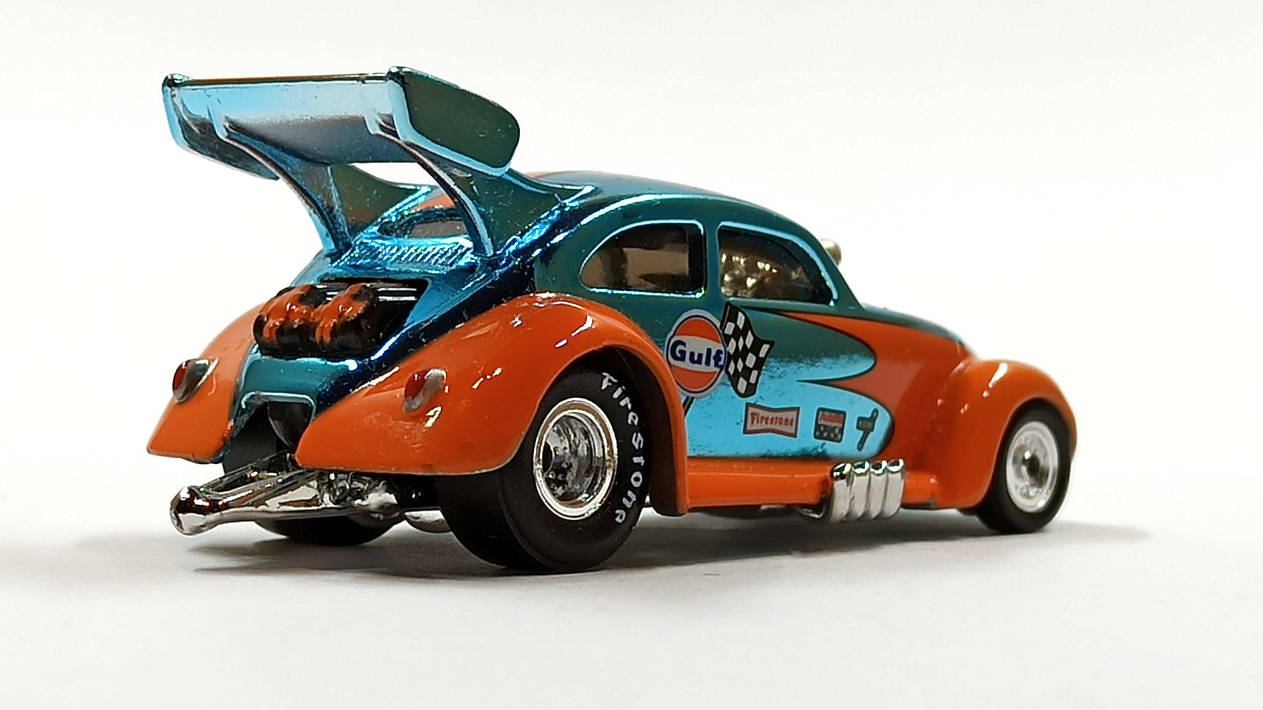 Hot Wheels Custom '56 Volkswagen Drag Beetle (Y0452) 2013 HWC Gulf Racing (3/4) (1 of 4.000) spectraflame light blue (Gulf) side angle