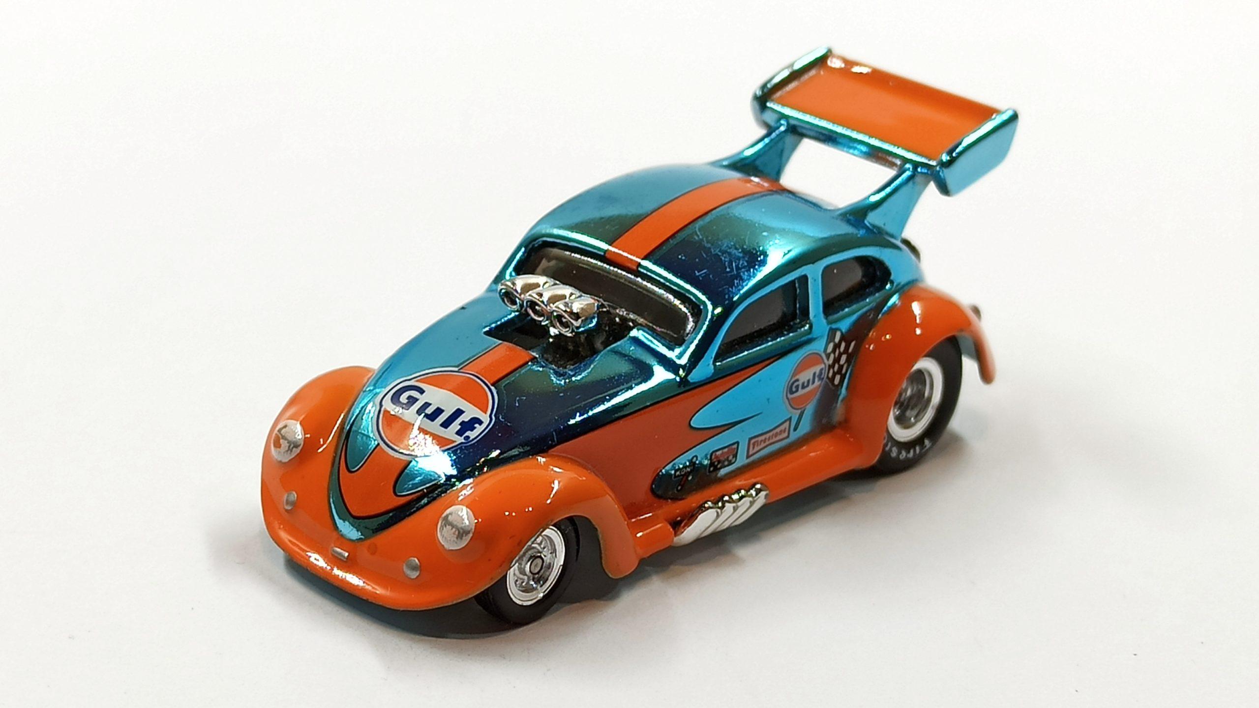 Hot Wheels Custom '56 Volkswagen Drag Beetle (Y0452) 2013 HWC Gulf Racing (3/4) (1 of 4.000) spectraflame light blue (Gulf) top angle