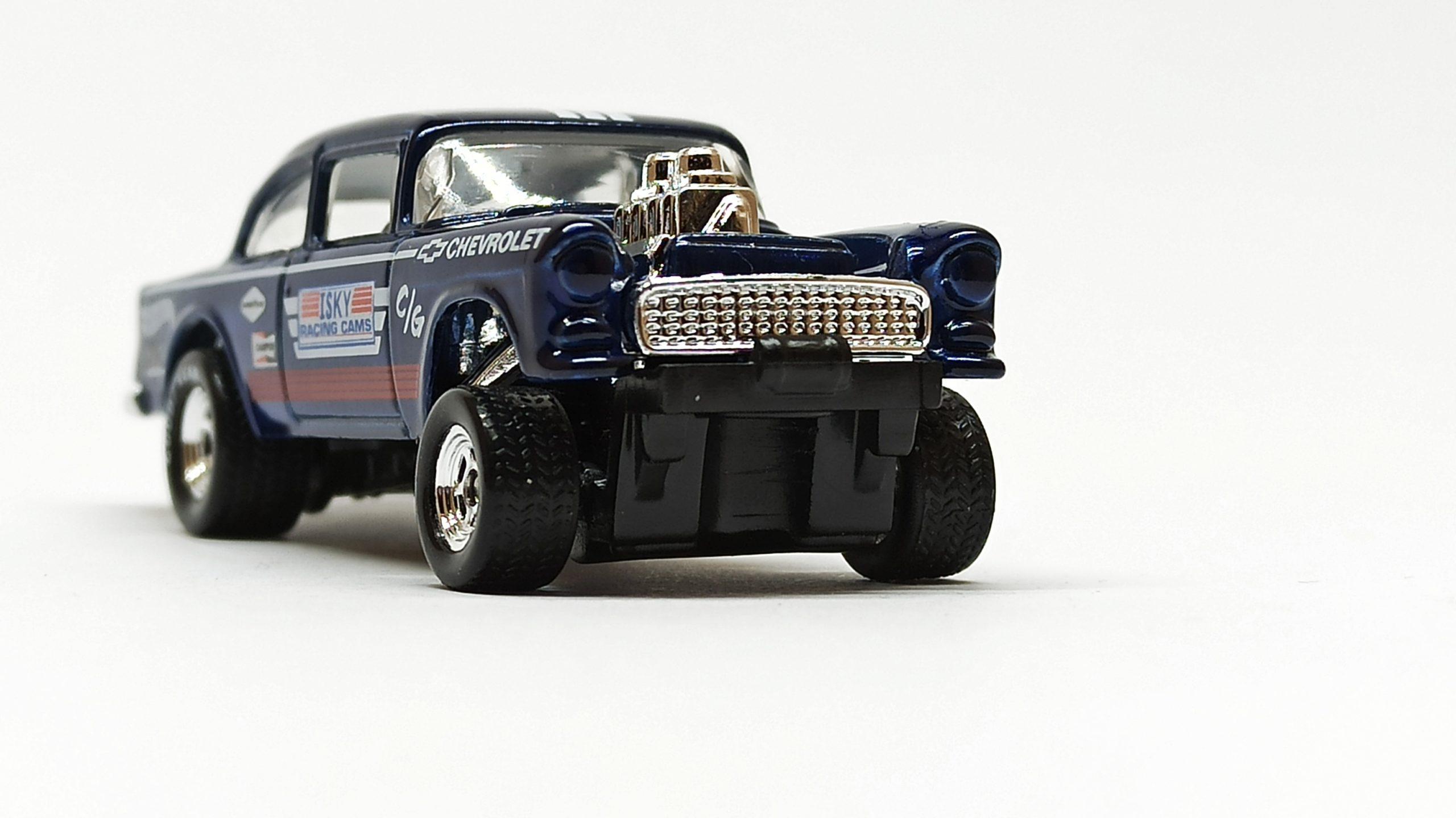 Hot Wheels '55 Chevy Bel Air Gasser (BFF38) 2014 (241/250) HW Workshop: HW Performance spectraflame dark blue Super Treasure Hunt (STH) front angle