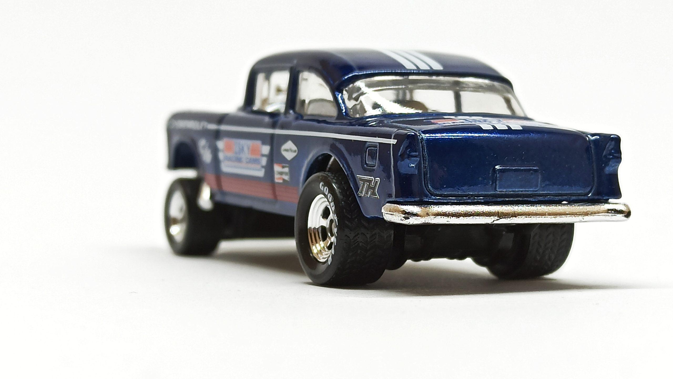 Hot Wheels '55 Chevy Bel Air Gasser (BFF38) 2014 (241/250) HW Workshop: HW Performance spectraflame dark blue Super Treasure Hunt (STH) back angle