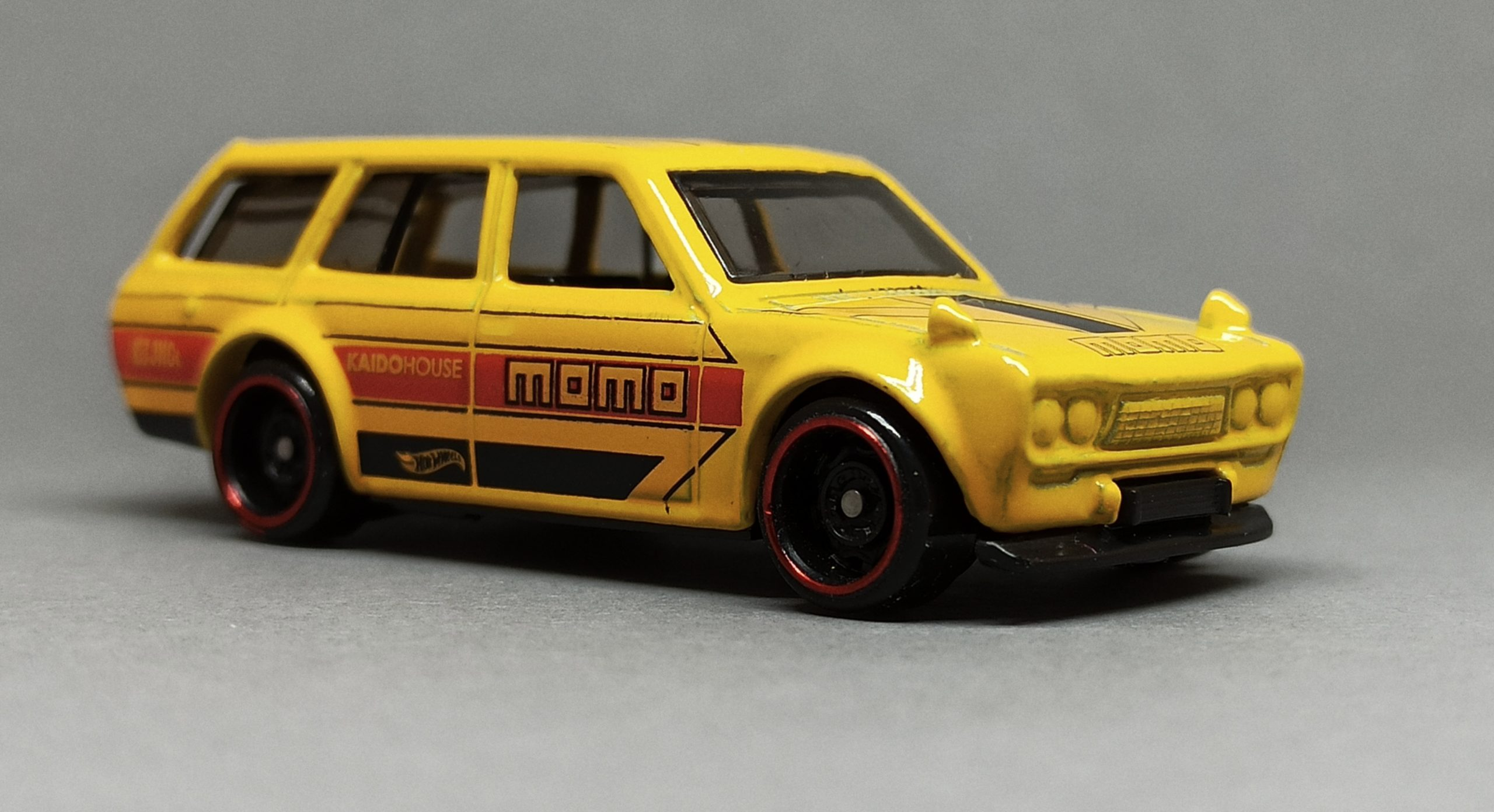 Hot Wheels '71 Datsun Bluebird 510 Wagon (GHG57) 2020 (146/250) HW Speed Graphics (8/10) yellow (Kroger Exclusive) side angle