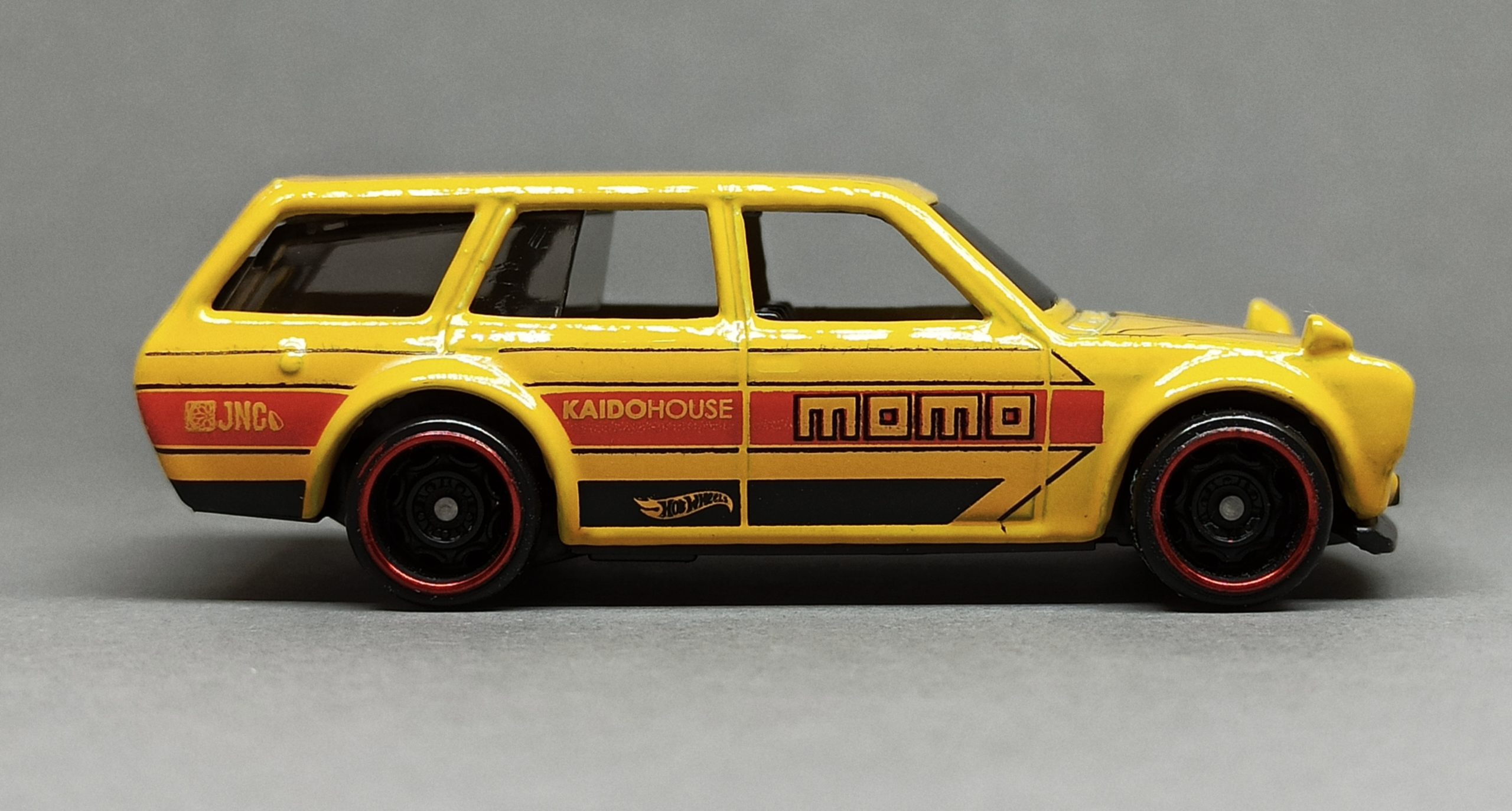 Hot Wheels '71 Datsun Bluebird 510 Wagon (GHG57) 2020 (146/250) HW Speed Graphics (8/10) yellow (Kroger Exclusive) side