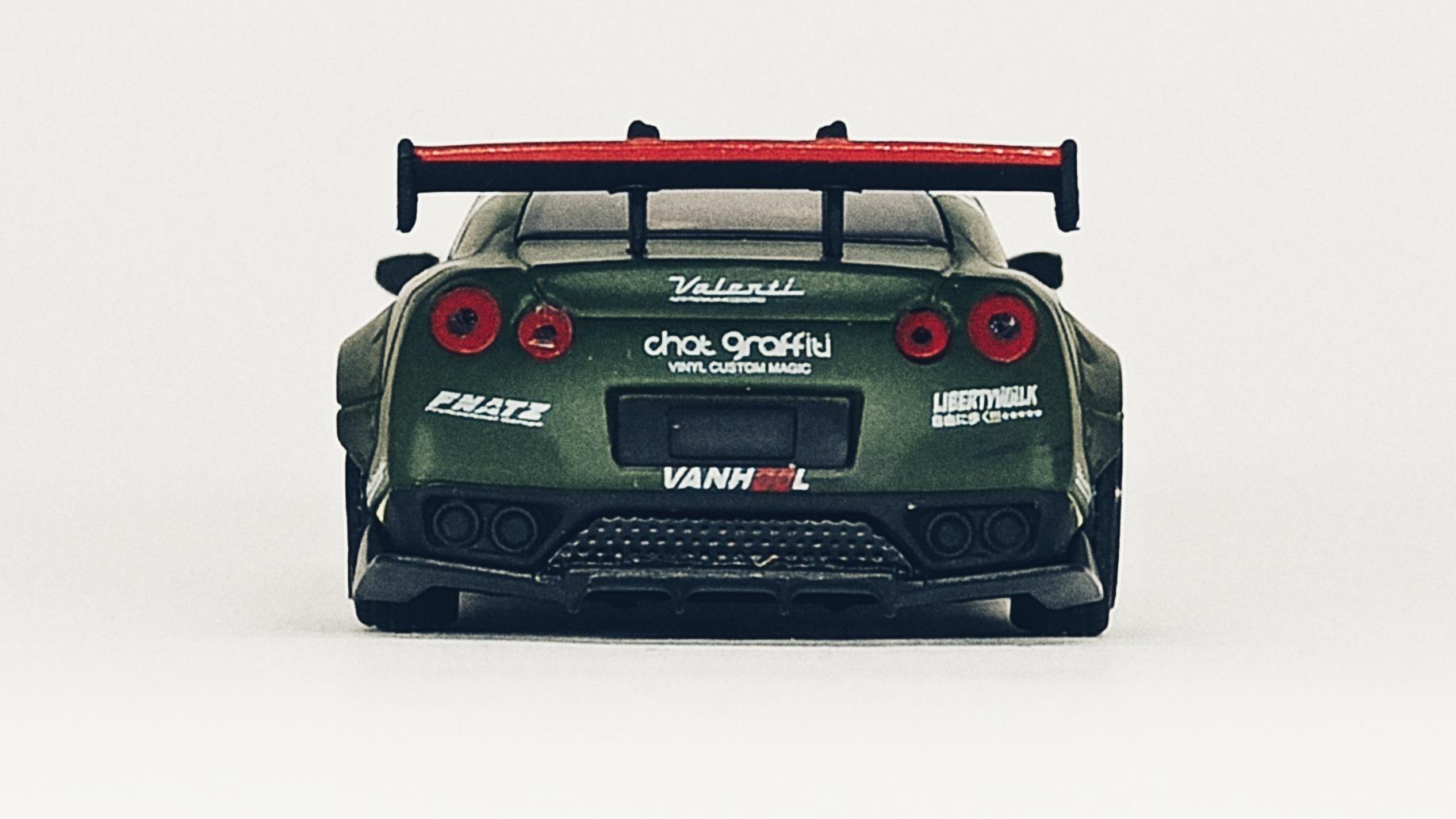 Mini GT Nissan GT-R (R35) (MGT00007-R) 2018 Liberty Walk LB★Works Type 1 Rear Wing ver 1 Zero Fighter Special (RHD) back