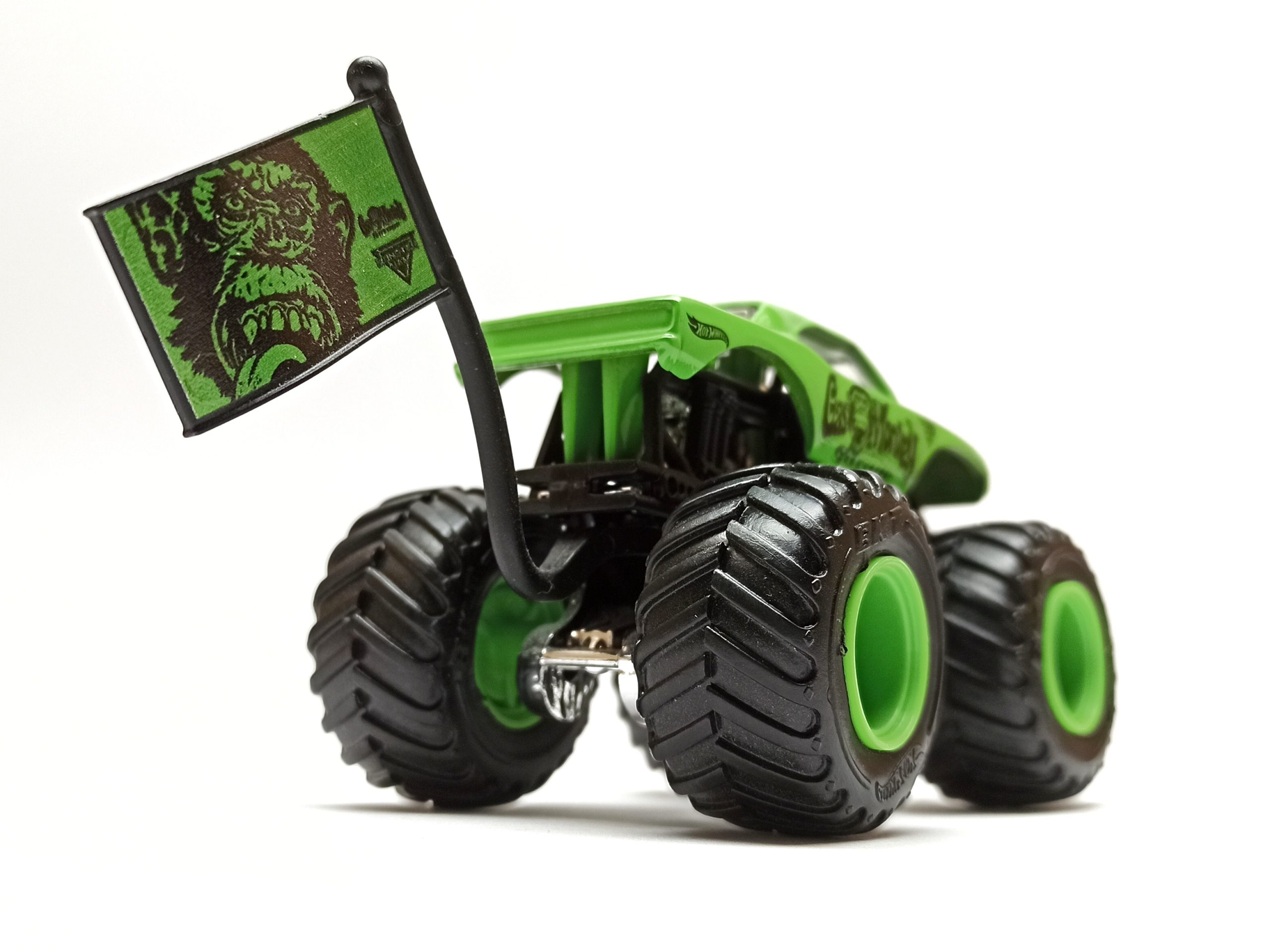 Hot Wheels Monster Jam Gas Monkey Garage 2017 Epic Editions (1/10) green back angle